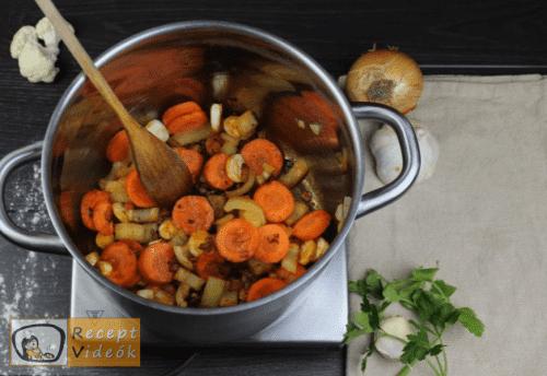 Tejfölös karfiolleves recept, tejfölös karfiolleves elkészítése 3. lépés