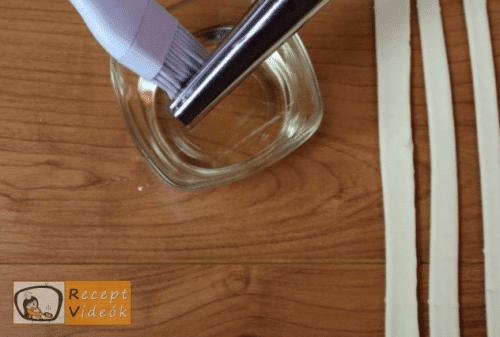 Sajtos roló recept, sajtos roló elkészítése 2. lépés