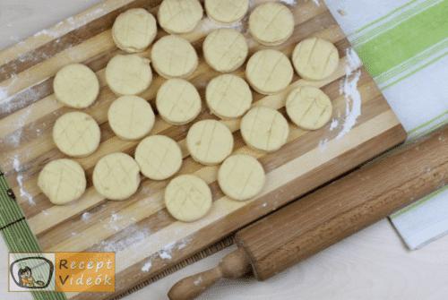 Vajas pogácsa recept, vajas pogácsa elkészítése 6. lépés