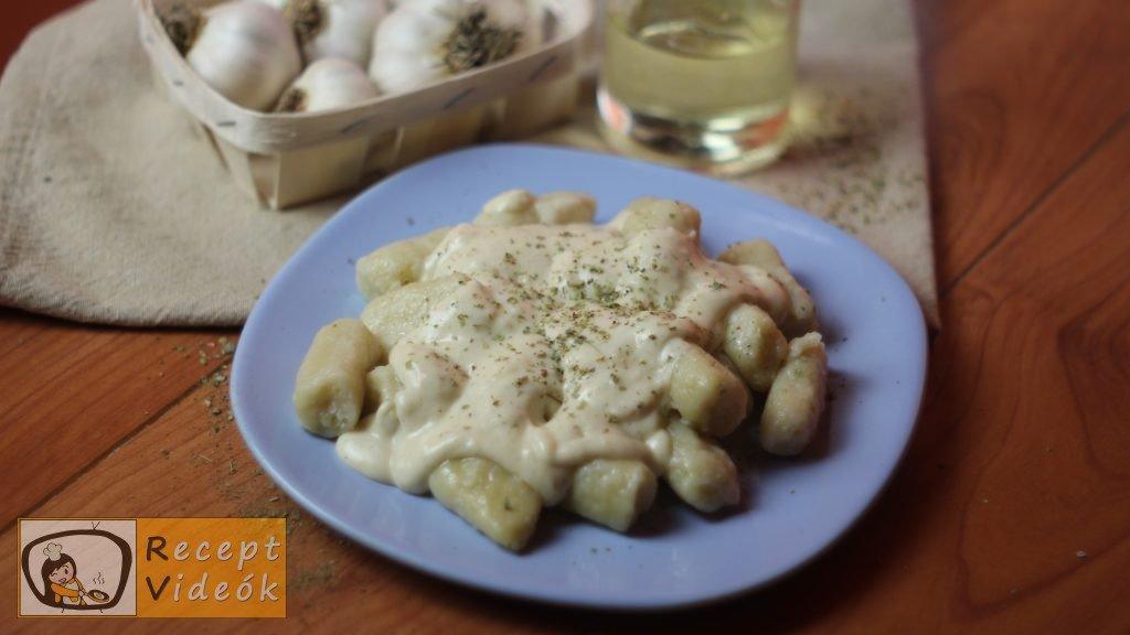Fokhagymás gnocchi sajtmártással recept, fokhagymás gnocchi sajtmártással elkészítése - Recept Videók