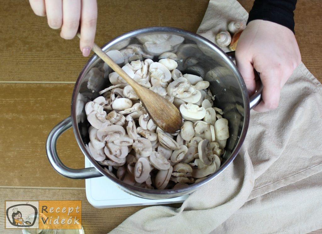 Gombakrémleves recept, gombakrémleves elkészítése 2. lépés