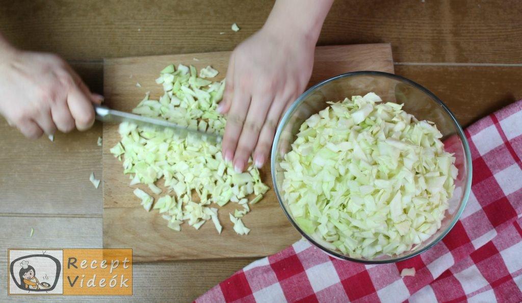 Egyszerű káposztás tészta recept, egyszerű káposztás tészta elkészítése 1. lépés