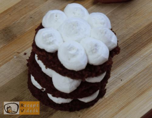 Valentin napi süti recept - valentin-napi mini vörös bársony torta elkészítése 12. lépés