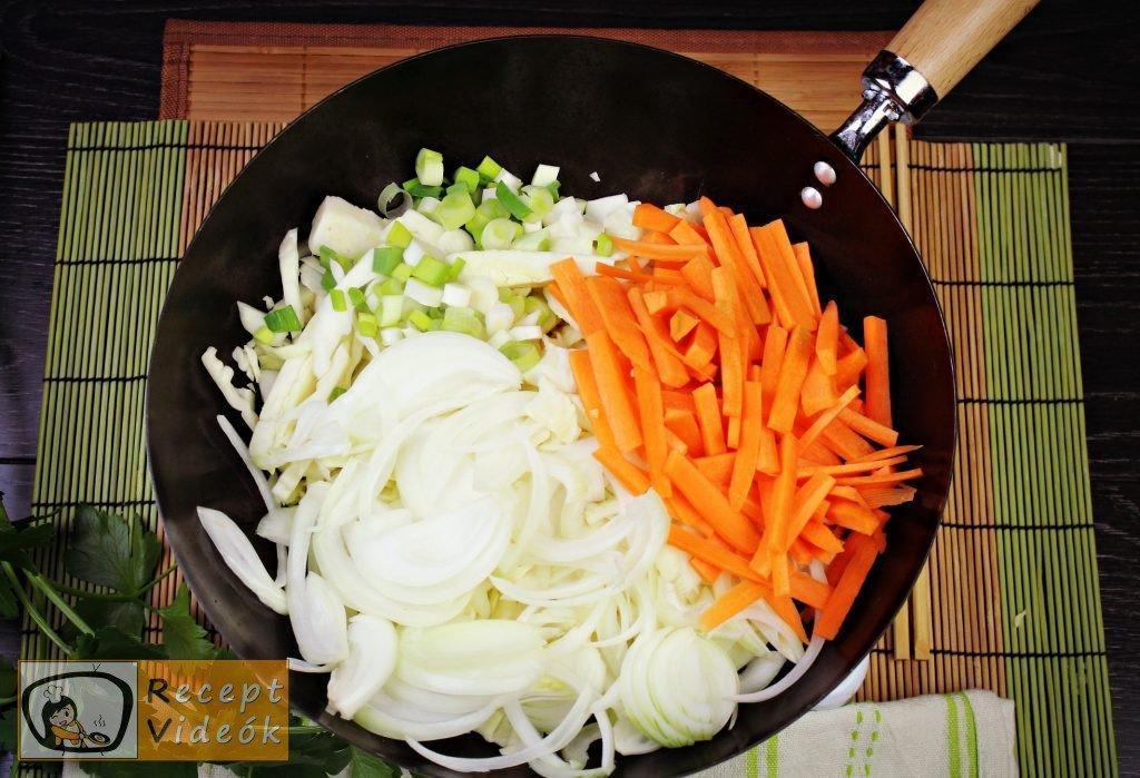 Kínai zöldséges tészta recept, kínai zöldséges tészta elkészítése 1. lépés
