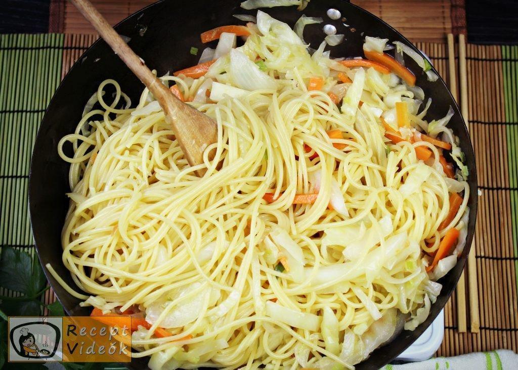 Kínai zöldséges tészta recept, kínai zöldséges tészta elkészítése 5. lépés