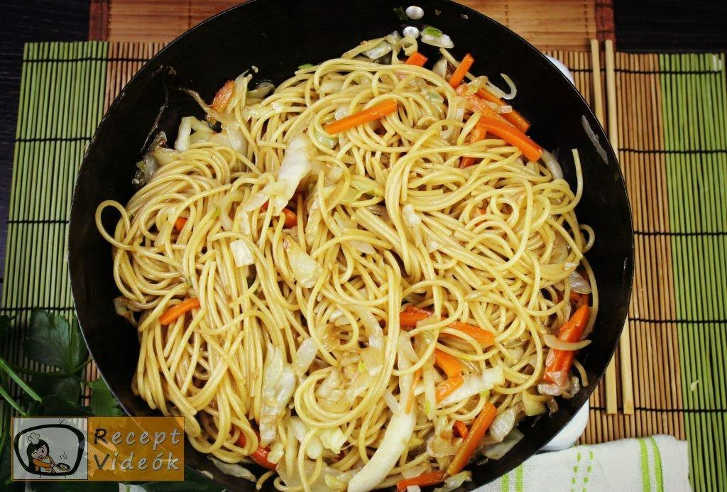 Kínai zöldséges tészta recept, kínai zöldséges tészta elkészítése 6. lépés