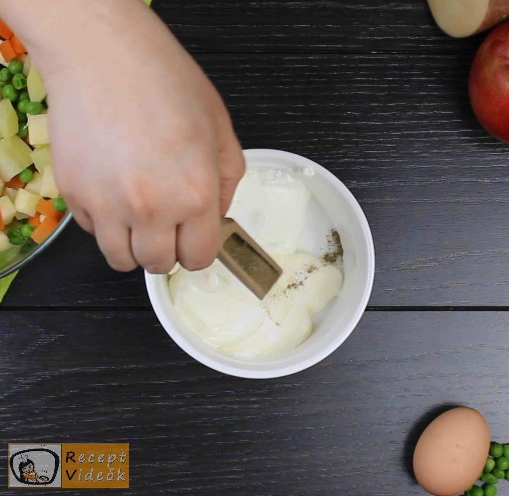 Dermesztett majonézes saláta recept elkészítése 2. lépés