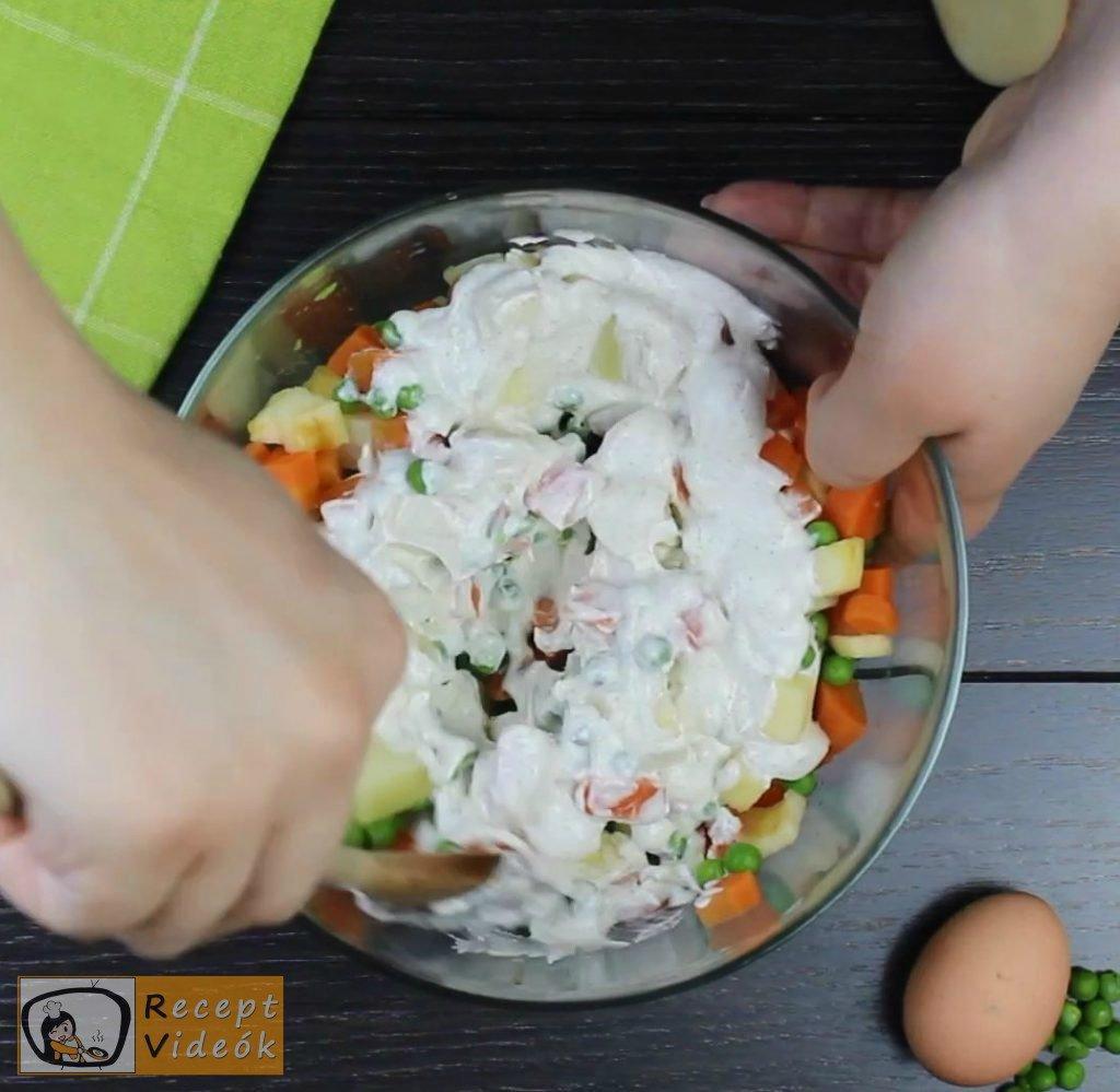 Dermesztett majonézes saláta recept elkészítése 3. lépés