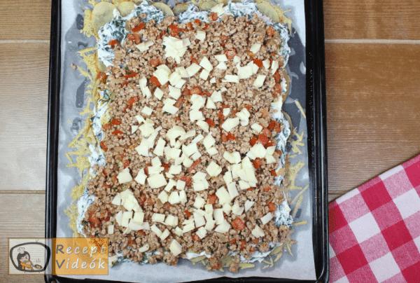 sajtbundás töltött krumplitekercs recept elkészítése 11. lépés