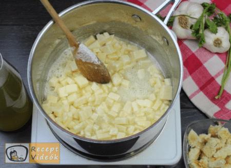 Sajtkrémleves recept, sajtkrémleves elkészítése 3. lépés