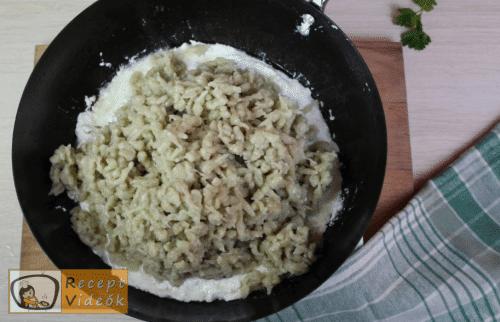 Juhtúrós sztrapacska recept, juhtúrós sztrapacska elkészítése 11. lépés