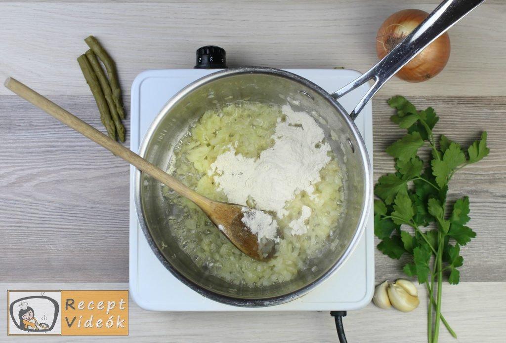 Spárgakrémleves recept, spárgakrémleves elkészítése 3. lépés