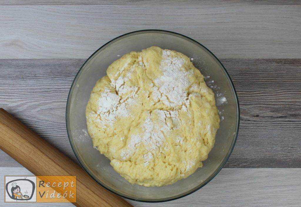 Sajtos croissant recept, sajtos croissant elkészítése 2. lépés