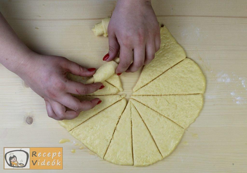Sajtos croissant recept, sajtos croissant elkészítése 6. lépés