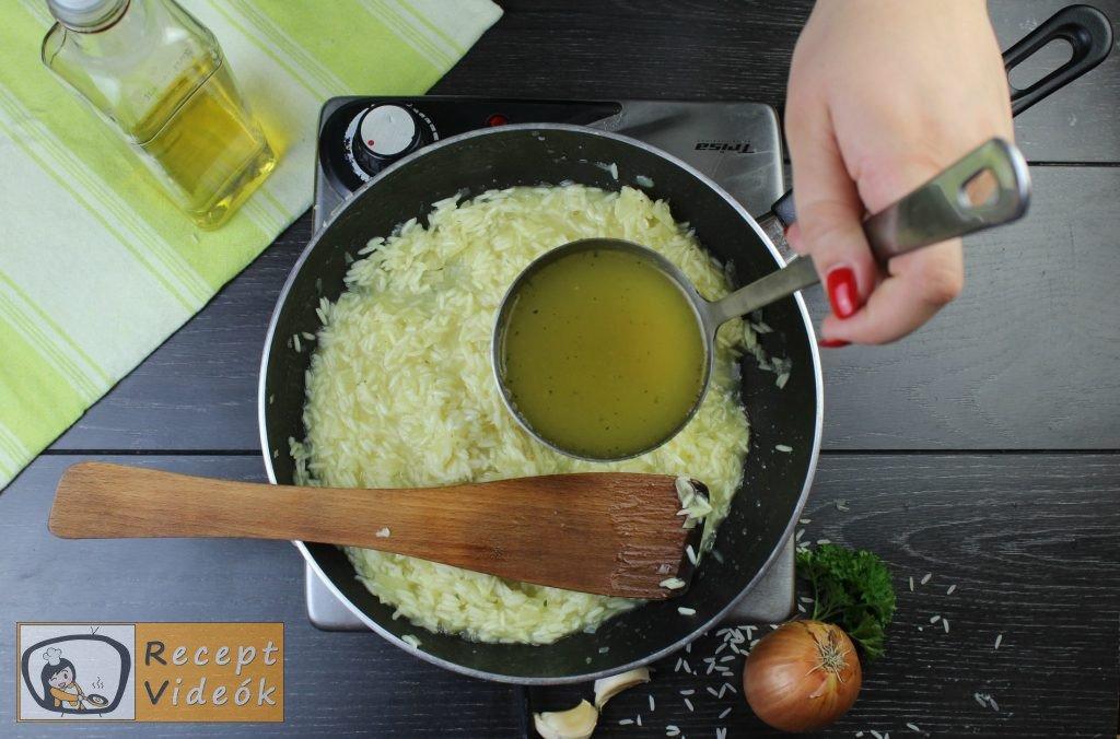Pirított gombás rizottó recept elkészítése 4. lépés