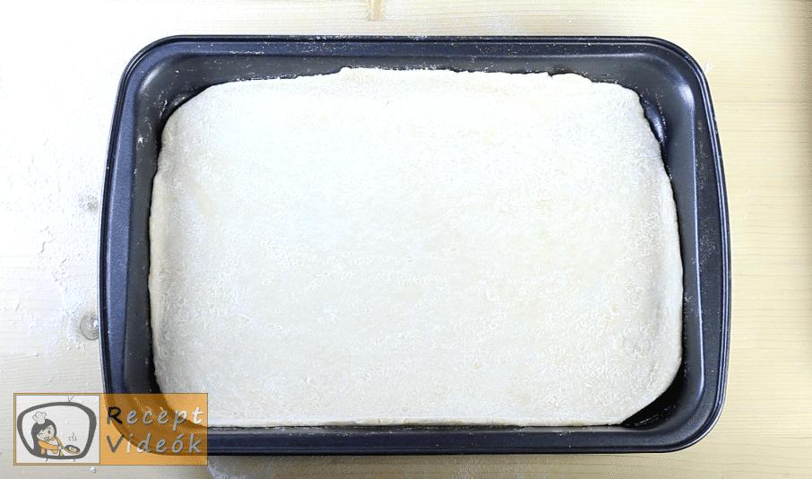 Hagymás lepény recept, hagymás lepény elkészítése 3. lépés
