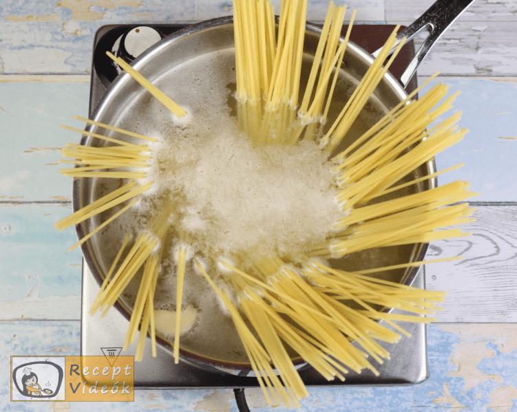 Avokádós-paradicsomos tészta recept, tészta elkészítése 1. lépés