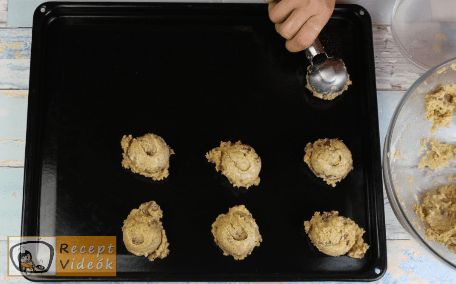 Amerikai csokis keksz recept, csokis keksz elkészítése 4. lépés