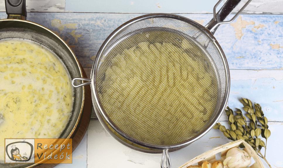 Vajas krumplipüré recept, vajas krumplipüré elkészítése 3. lépés