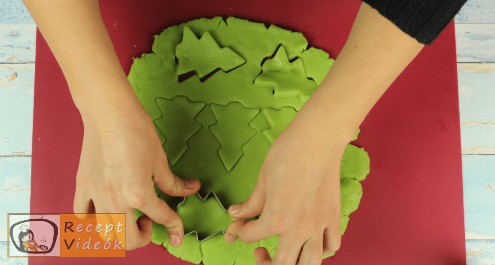 Karácsonyi keksz recept, karácsonyi keksz elkészítése 6. lépés