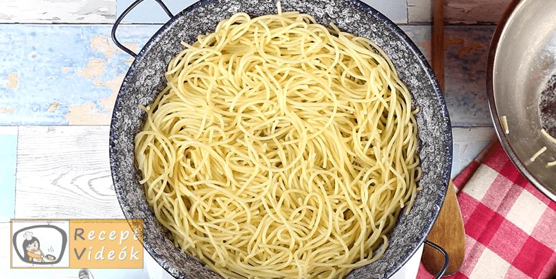 Teriyaki sült tészta recept, Teriyaki sült tészta elkészítése 2. lépés