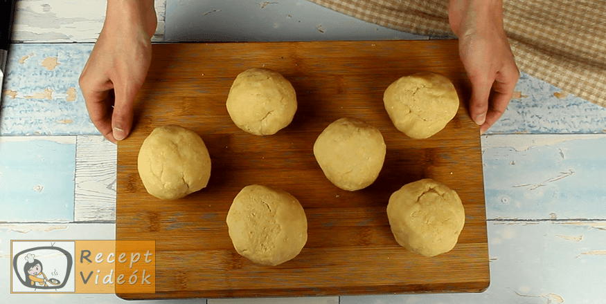 Hatlapos sütemény recept, Hatlapos sütemény elkészítése 4. lépés