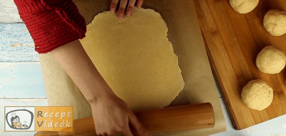 Hatlapos sütemény recept, Hatlapos sütemény elkészítése 5. lépés