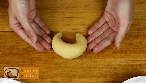 Pozsonyi kifli recept, Pozsonyi kifli elkészítése 11. lépés