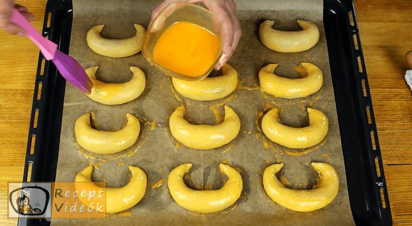 Pozsonyi kifli recept, Pozsonyi kifli elkészítése 12. lépés