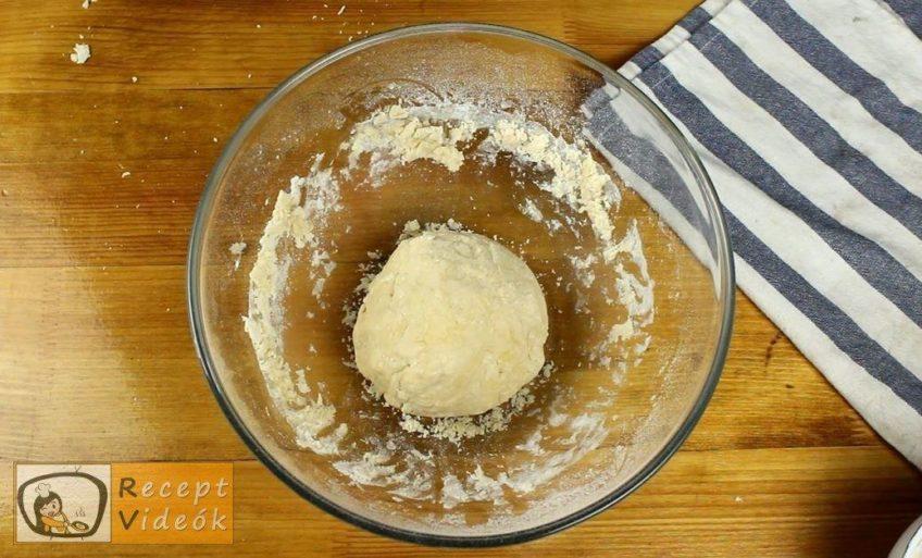 Csíkos kalács recept, Csíkos kalács elkészítése 2. lépés