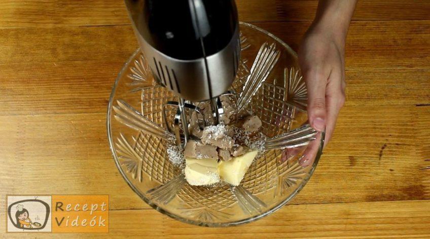 Gesztenyés keksztekercs recept, Gesztenyés keksztekercs elkészítése 3. lépés