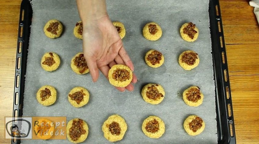 Mézes-diós ökörszem süti recept, Mézes-diós ökörszem süti elkészítése 9. lépés