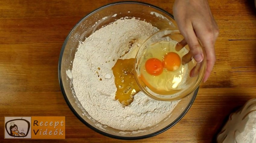 Fahéjas-mézes szelet recept, Fahéjas-mézes szelet elkészítése 2. lépés