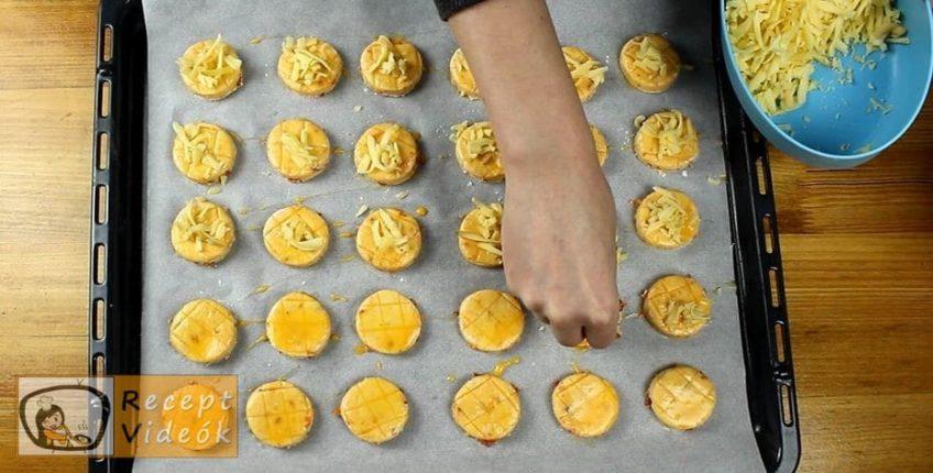 Kolbászos mini pogácsa recept, Kolbászos mini pogácsa elkészítése 7. lépés