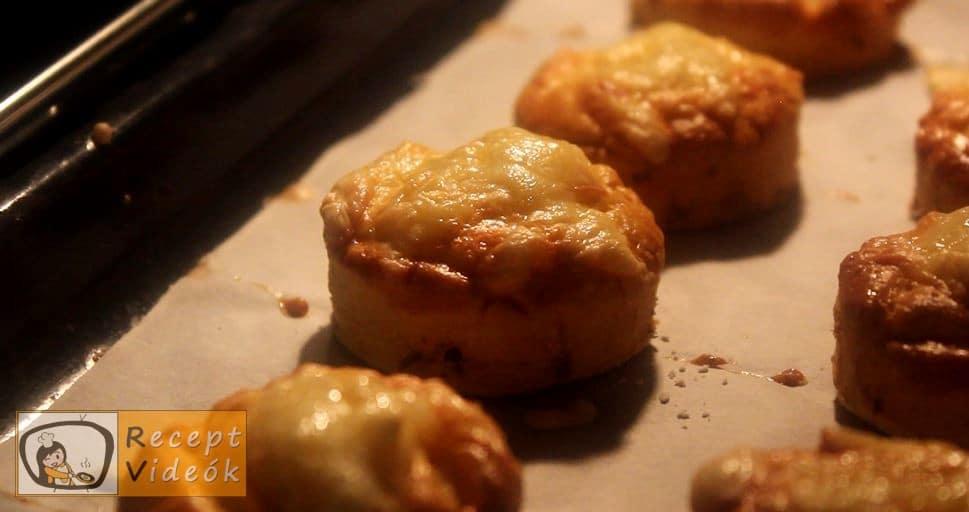 Kolbászos mini pogácsa recept, Kolbászos mini pogácsa elkészítése - Recept Videók